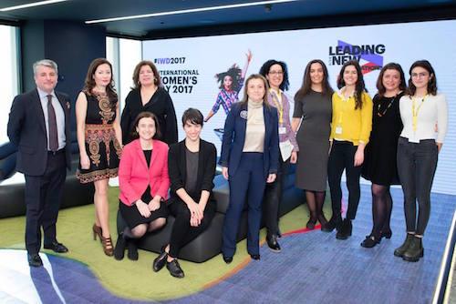 Accenture se compromete con las jóvenes de las nuevas generaciones Tech