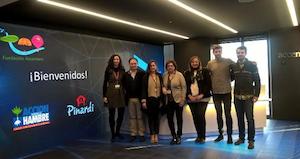 Profesionales de Accenture donan más de 92.000 euros a dos programas sociales
