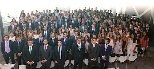 EY incorpora a 450 profesionales y promociona a 17 socios en España