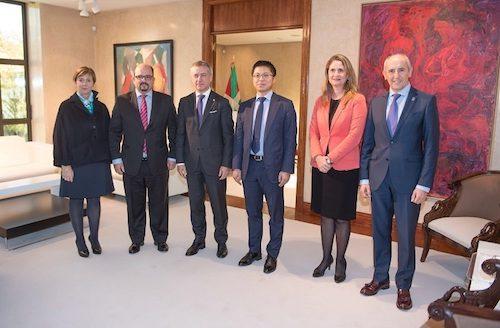 Tony Jin Yong comparte con el Lehendakari su visión para contribuir a la transformación digital en el País Vasco