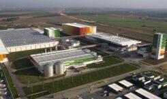 Iberdrola y Heineken firman una alianza que convertirá a la cervecera en la 1ª que elabora sus productos solo con energías renovables