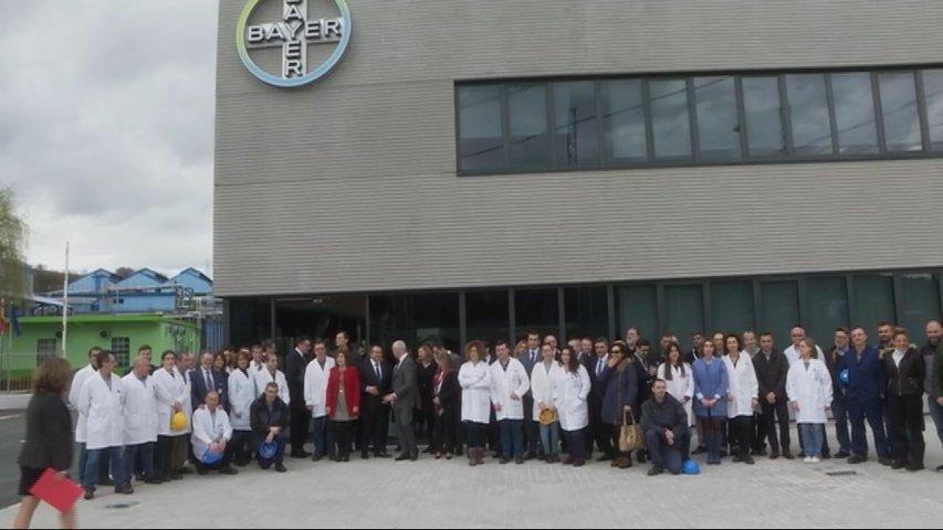 Bayer refuerza su compromiso con Asturias con un 33% más de inversión en su planta de La Felguera
