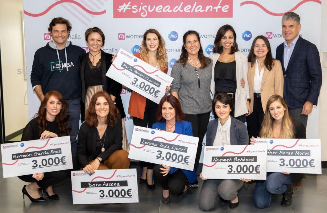 P&G y Womenalia entregan las becas de su programa de impulso al emprendimiento femenino 'Sigue Adelante'