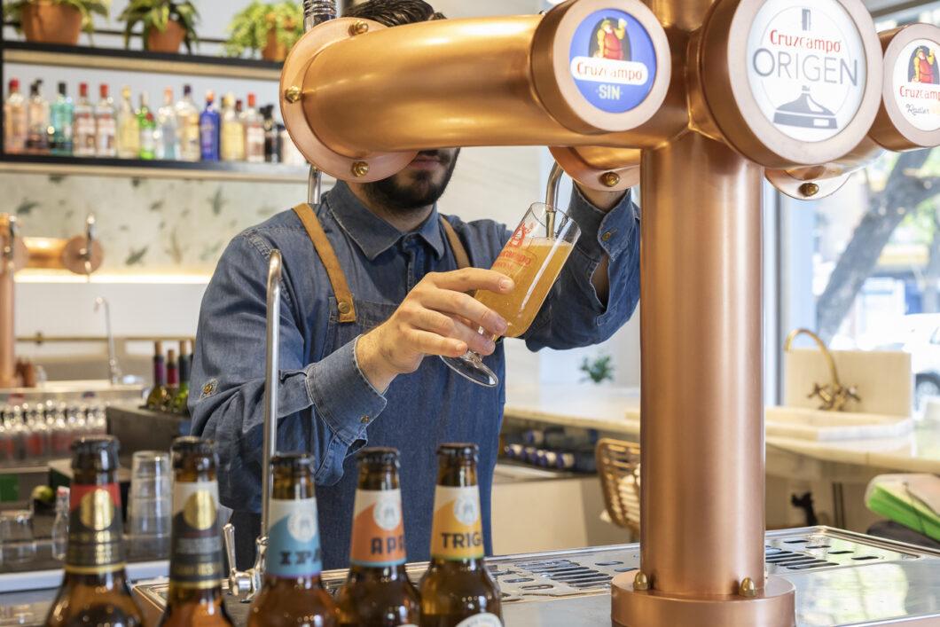 Cruzcampo y Amstel aportan más de 15 millones de cañas en apoyo a nuestro bares