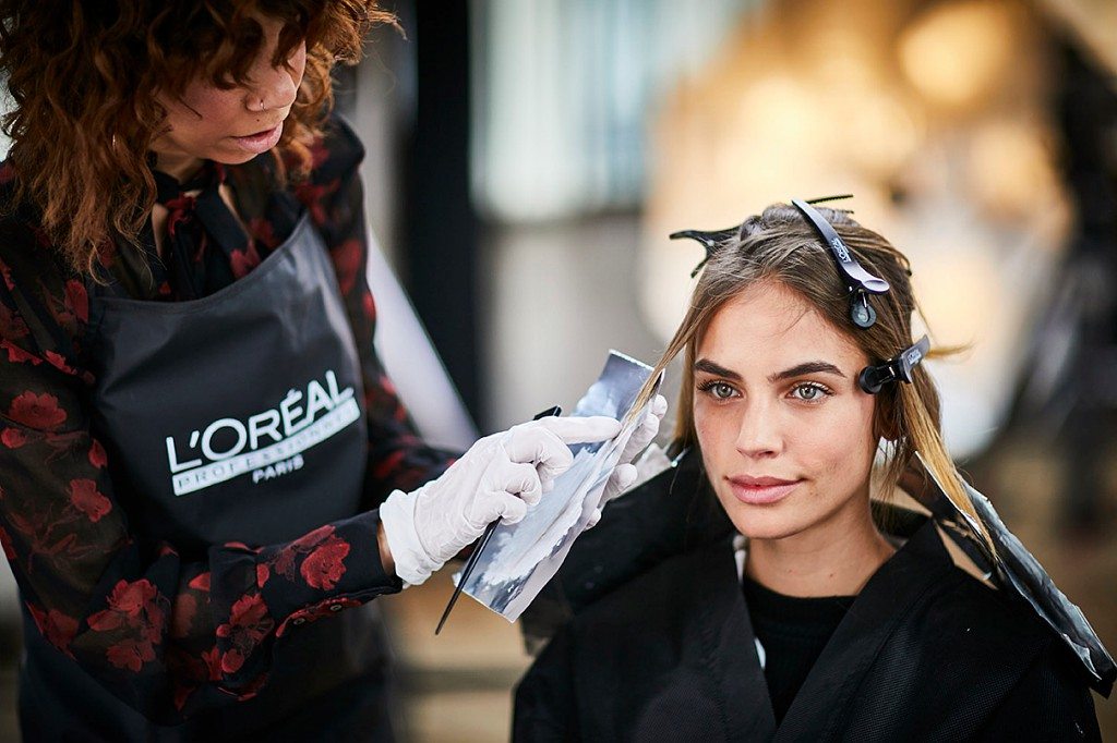 L'Oréal acompaña a los peluqueros españoles para una vuelta segura a los salones